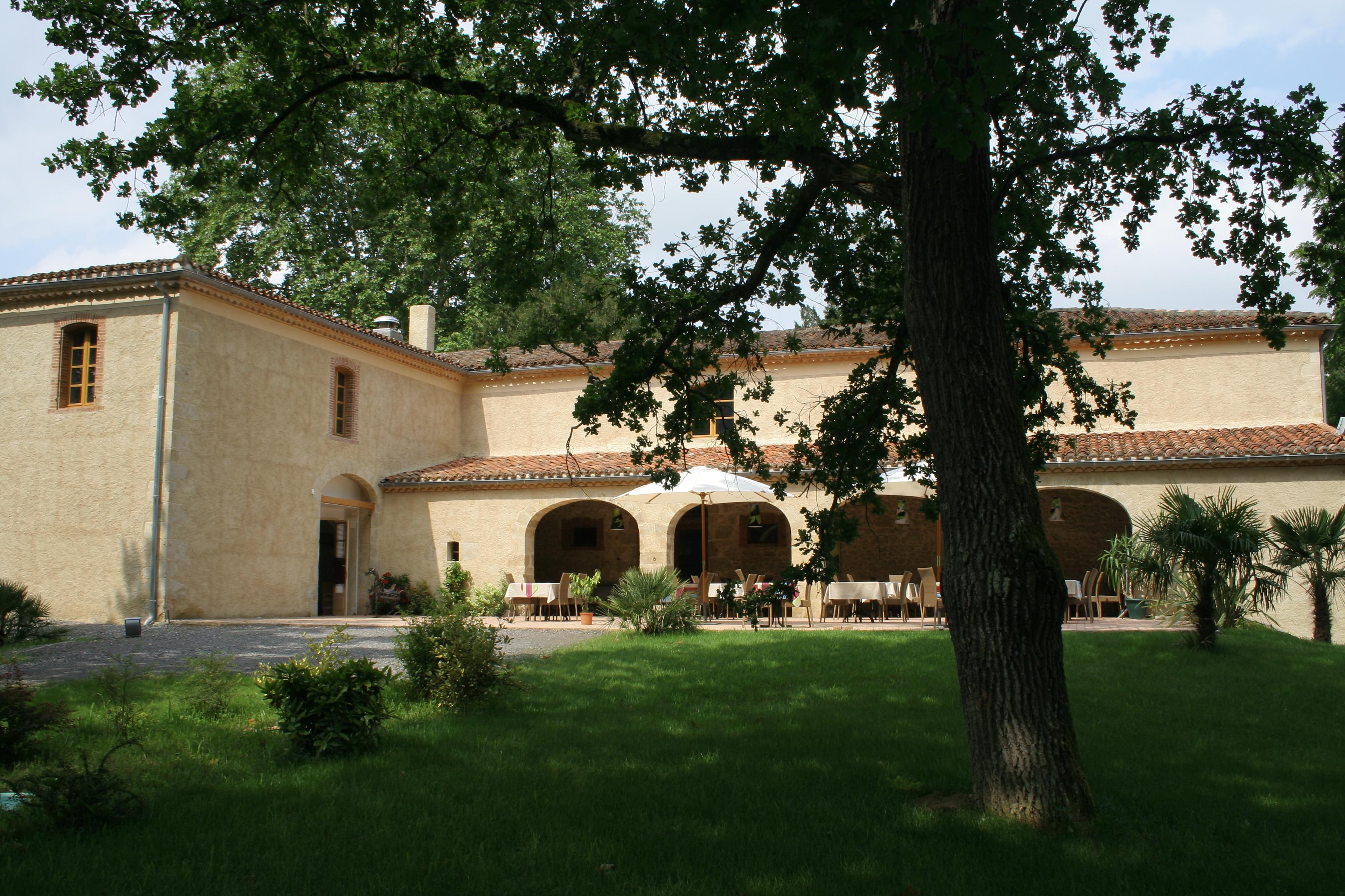 Le Château de Camille en Gascogne - son parc arboré